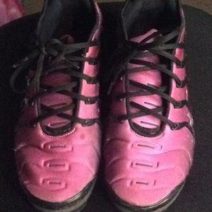 pink vapor max!